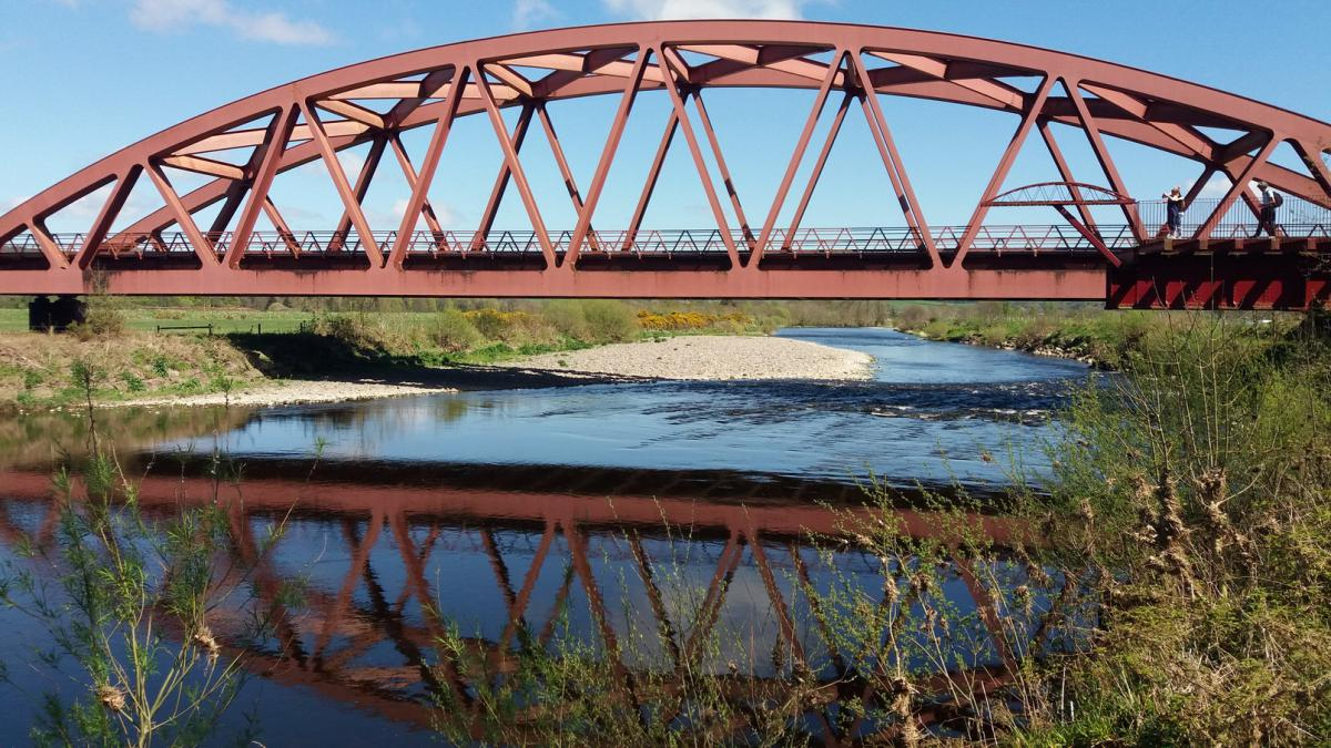 The new rail bridge over the Nith